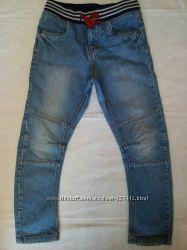 джинсы крутые на 6-7 лет