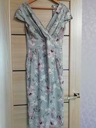 Лёгкое, приятное летнее платье с разрезом