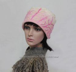 Шапочка White on pink - авторский войлок