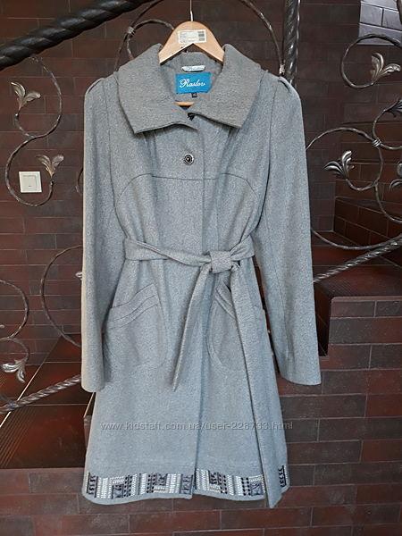Шерстяное женское пальто  от Raslov