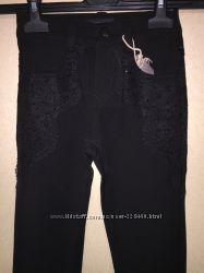 Черные брюки с кружевом