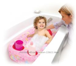 Надувная ванночка для купания ребенка.