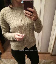 Теплый свитер размер М фирма Mango