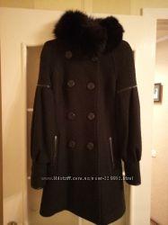 Теплое зимнее пальто с воротником из песца
