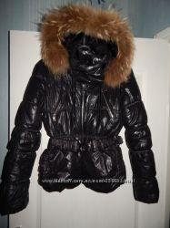 Черная теплая стеганая дутая куртка размер М
