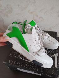 Новые белые кроссовки натуральная кожа размер 38