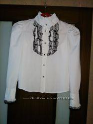 Продам красивую белую блузку фирмы Barbarris на вашу принцессу ростом 152см