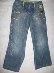 Красивые джинсы в отличном состоянии