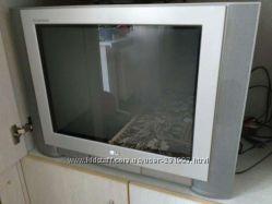 Телевизор LG в отличном состоянии Flatron RT-21FA32X