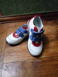 Продам  модные кроссовки.