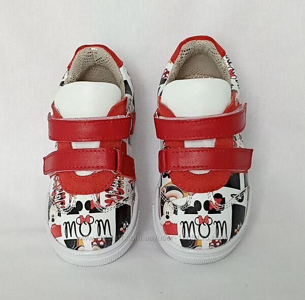 Классные качественные кожаные кроссовки для малышей микки маус