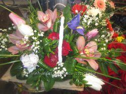 Плету  корзины и оформляю  цветами