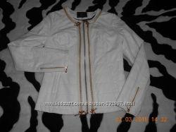 отличная белая куртка