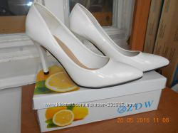 белые лаковые туфли класика