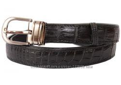 Ремни из натуральной кожи крокодила с брюкам и джинсам.