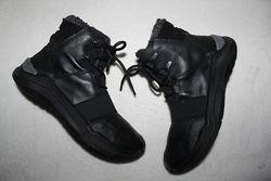 Ботинки термо фирмы Ecco 35 размера по стельке 22, 5-23 см.
