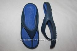Вьетнамки фирмы Crocs размер M7 W 9 наш 40 по стельке 26 см.
