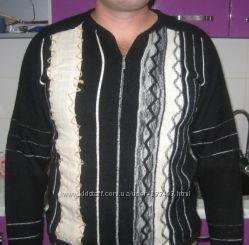 Продам стильный натуральный свитер в идеальном состоянии