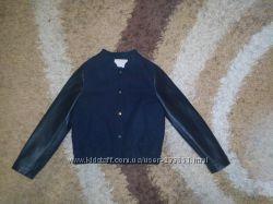 Продам демисезонную модную куртку Zara, размер 128
