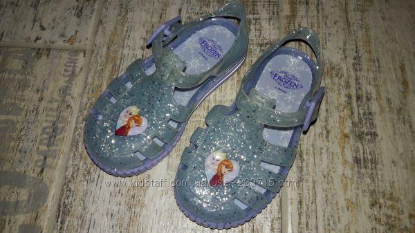 Аквашузы Frozen мыльницы для малышки23 р.