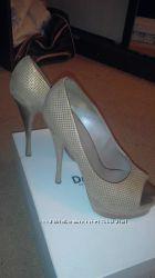 Золотые туфли Versace Оригинал 36р.