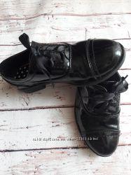 Стильные закрытые туфельки George Love your shoes