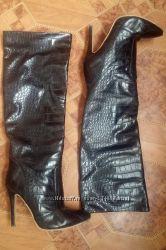 Крутые высокие сапоги до колена р. 39-40