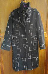 Теплое шерстяное пальто р. 48
