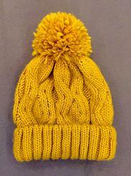 Стильная шапка бини Bershka для девушки