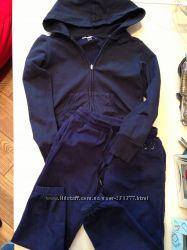 Продам шикарный  спортивный костюмчик Италия MANAI 6 лет