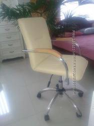 Крісло поворотне
