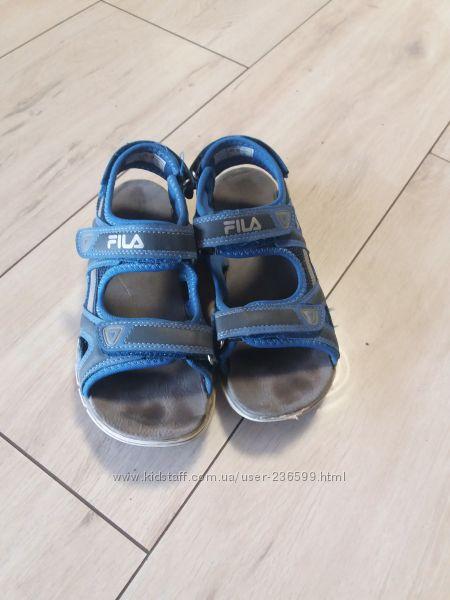 Фирменые сандалии босоножки Fila. 23см