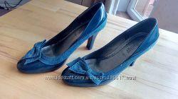 Лаковые туфли р. 40 стелька 26, 5см.