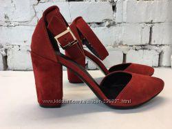 Босоножки-туфли широкий каблук