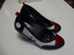 Кольорові шкіряні туфлі