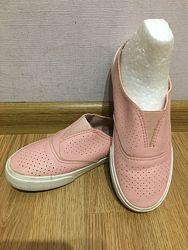 Мокасины, тапочки, туфли 34 р.