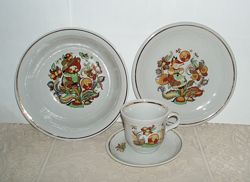 Винтаж фарфор детская посуда Синельнико 1976 - 86 гг чашка тарелка клеймо