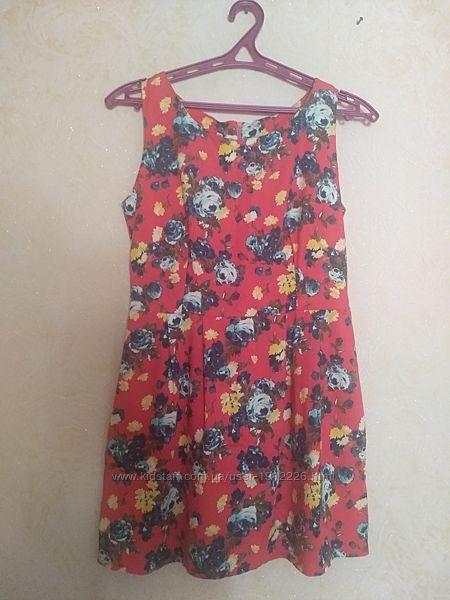 Летнее платье р.44 с цветочным принтом