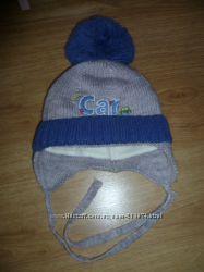 Красивая зимняя шапка для малыша, в новом состоянии