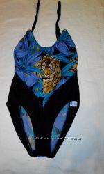 Красивый сдельный купальник с тигром