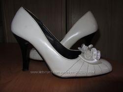 Продам очень красивые и удобные туфли