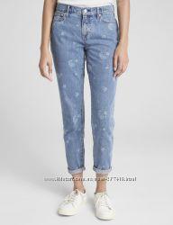 Mid rise best girlfriend jeans GAP размер 25R