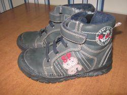 осенние ботиночки для мальчика р-р 27, стелька 17-17, 5см, бу