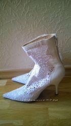 Белые сапоги кожа-кружево La Skala на свадьбу, выпускной, к вечернему наряд