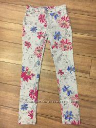 Цветочные джинсы OLD NAVY