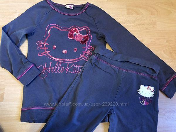 Трикотажный костюм Hello Kitty на 6-7 лет