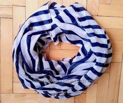 Красивый обьемный шарф в полоску house