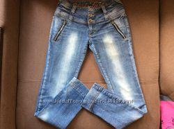 Джинсы Gloria Jeans, отличн. состоян. , р. S