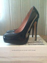 Стильные лаковые туфли Aldo р. 35, 5-36 23, 2 см в идеальном состоянии