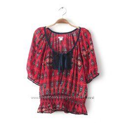 Легенькая летняя блузка c абстрактным цветочным узором